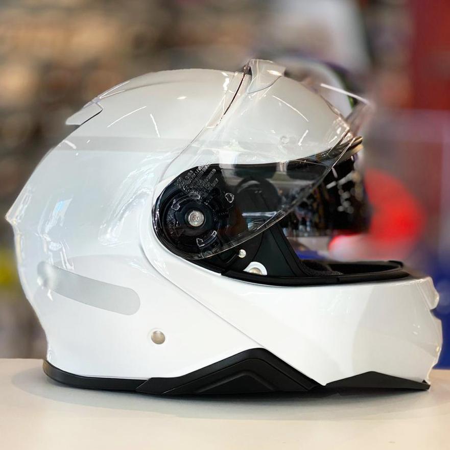 Capacete Shoei Neotec 2 Branco Brilho Escamoteável  - Planet Bike Shop Moto Acessórios