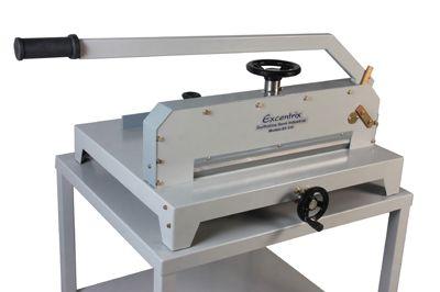 Guilhotina Semi Industrial Master Plus 51cm até 300 Folhas Excentrix EX510 com Mesa  - Click Suprimentos