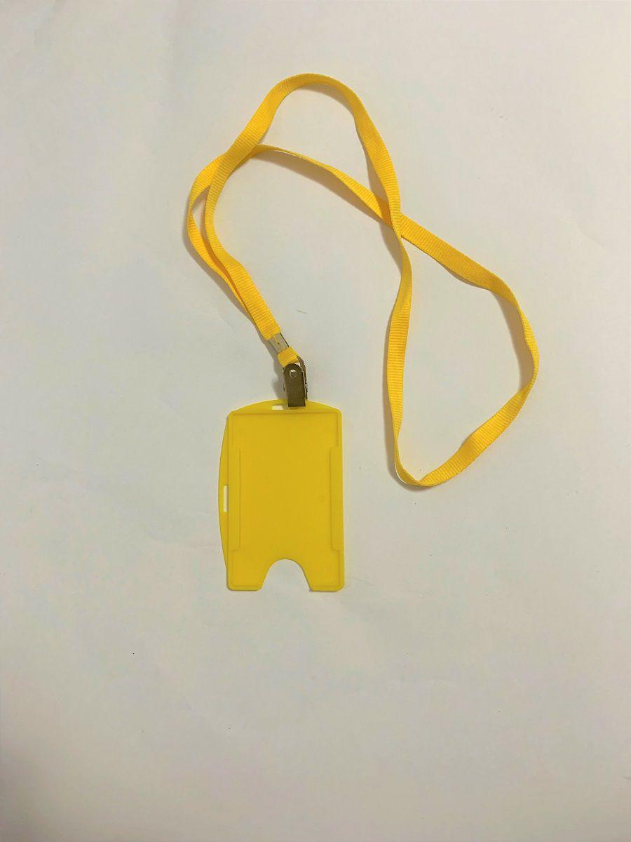 Kit Cordão + Porta Crachá Rígido Conjugado Amarelo - 100 unidades  - Click Suprimentos