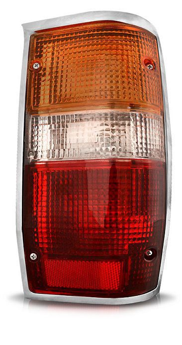 Lanterna Traseira L200 1993 a 2003 com Moldura Cromada