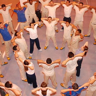 Massagem Aplicada à Ginástica Laboral (Valquíria de Lima)  - Cursos distância e aulas online Instituto Phorte Educação.