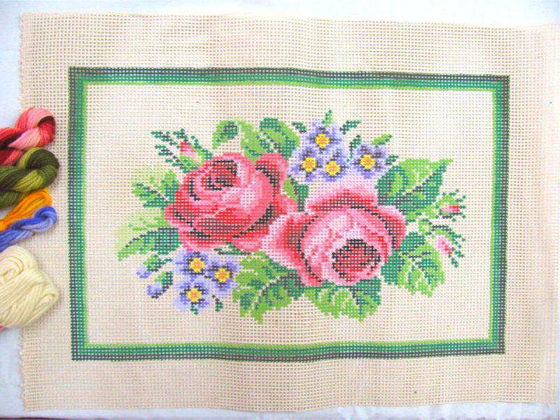 Kit Almofada Retangular Rosas Cor-de-Rosa  - Conceição Spinola Tapeçaria
