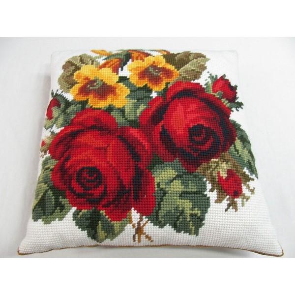 Almofada Grande Duas Rosas Vermelhas  - Conceição Spinola Tapeçaria