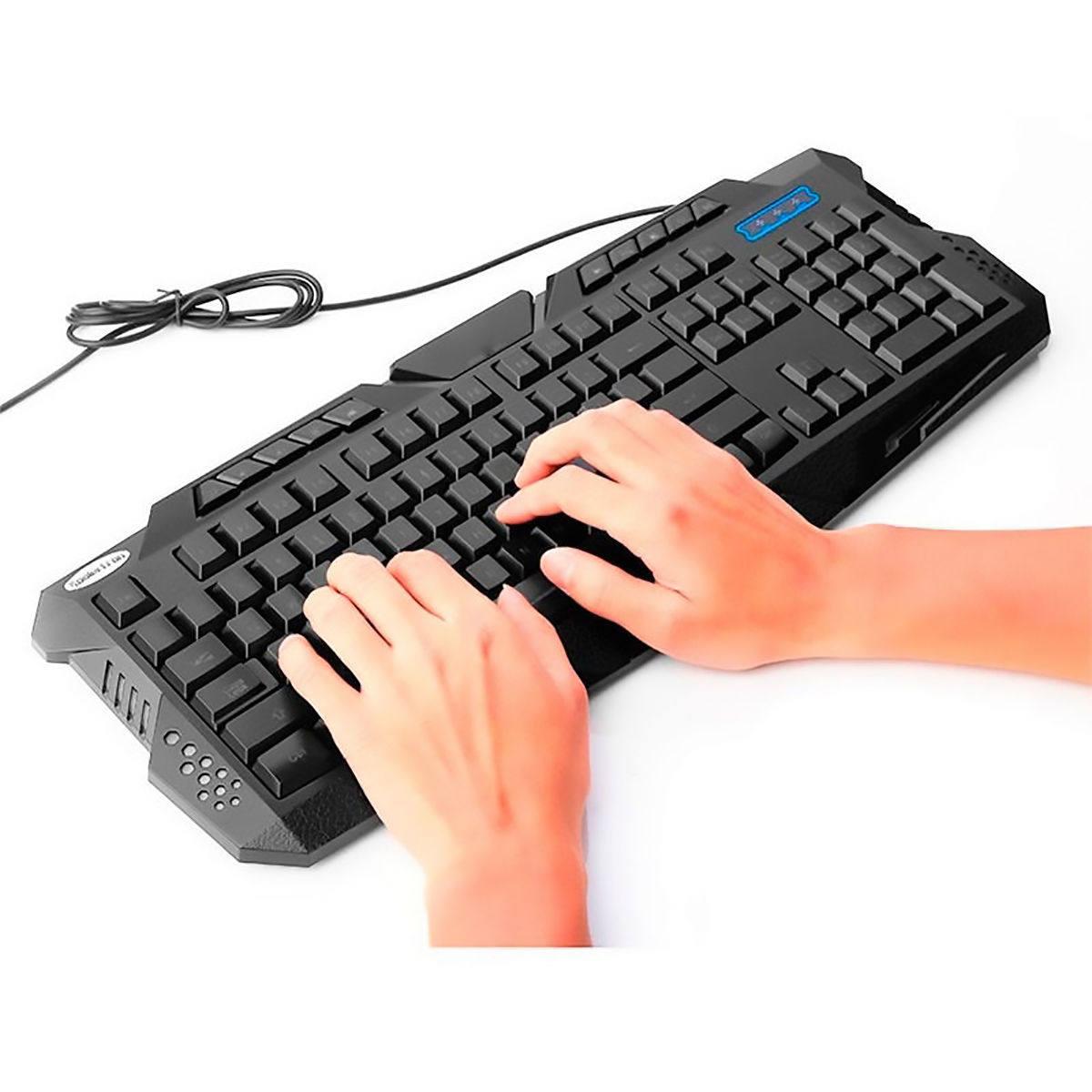 Teclado Action Gamer Multimídia com 10 Teclas de Atalho 3 Cores de retroiluminação Anti-Ghosting USB Exbom BK-G35