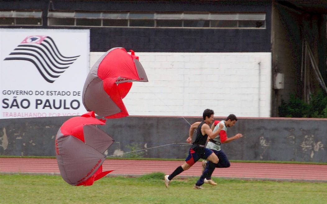 PARAQUEDAS PARA CORRIDAS - JOGO COM 6 UNIDADES  - Actualsports  Equipamentos Esportivos