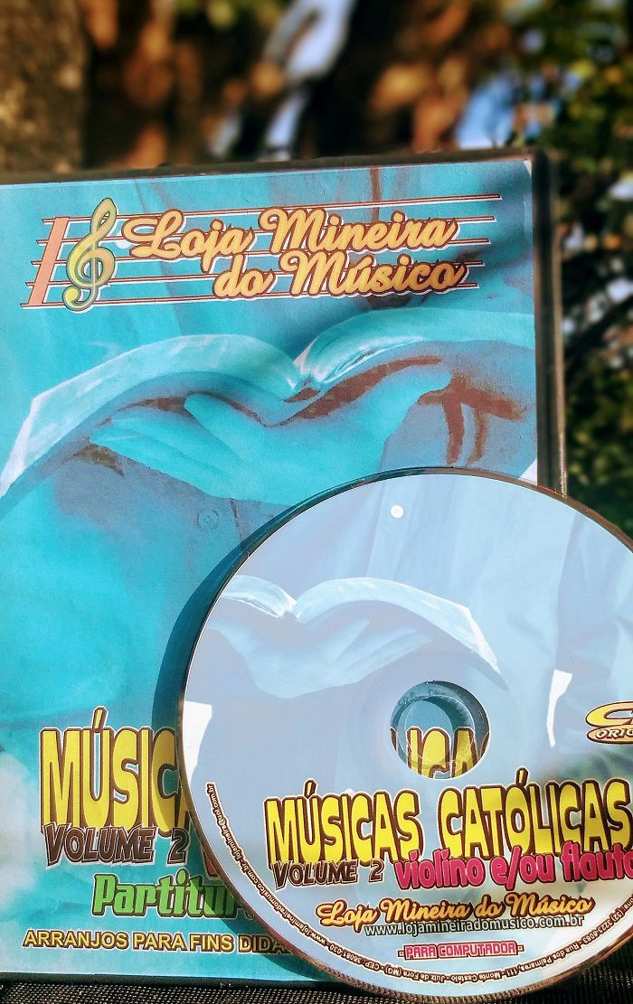 VIOLINO Partituras Católicas com Playbacks Católicos MP3 e Midis em CD (Volume 2)
