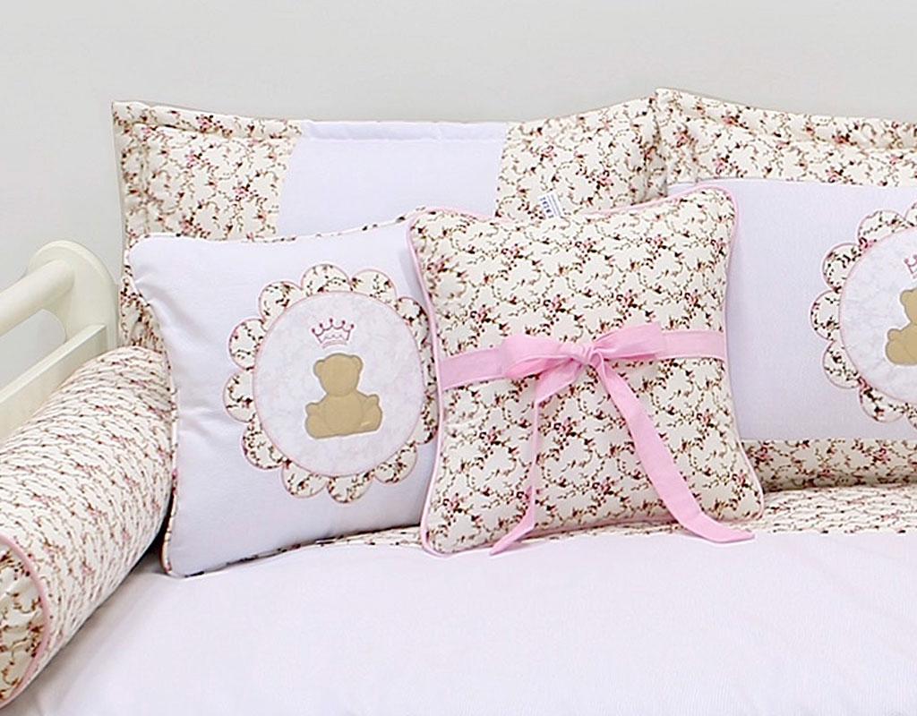 Almofada para decoração bordada - Col. Ursinho Realeza Rosa