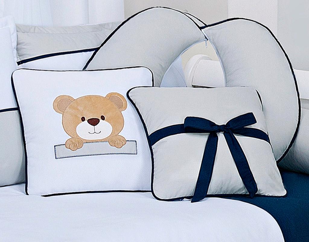 Almofada para decoração bordada - Col. Urso Bernardo