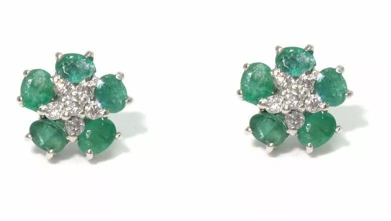 Brinco Flor de Esmeraldas e Diamantes  - Sancy