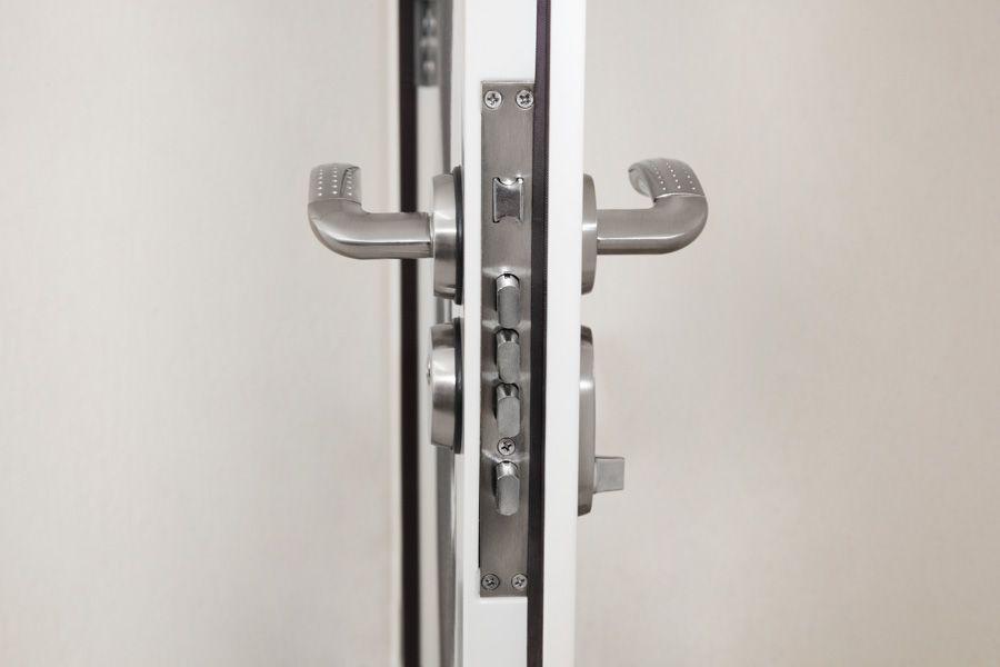 Kit Porta Segurança Aço Pronta 1,05m 13 Pts de Travamento Titan