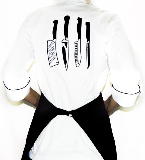 Dólmã Clássico Unissex BRANCO  Jogo de Facas PRETO com vivo PRETO e botões PRETOS sarja 100% algodão manga 3/4