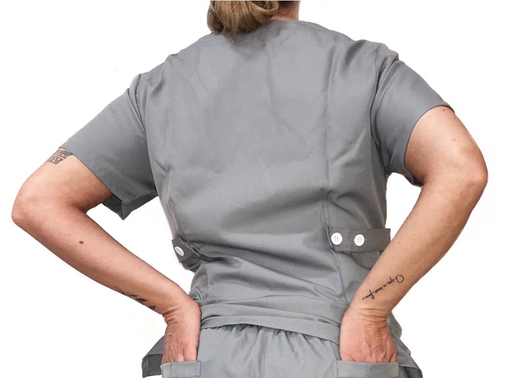 Camisa Scrub Anatomys Feminino CINZA  com ajuste para acinturar atrás  Microfibra Premium 100% Poliéster