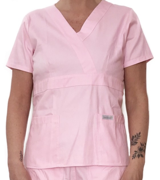 Camisa Scrub Anatomys Feminino ROSA CLARO com ajuste para acinturar atrás Botões ROSA Microfibra Premium 100% Poliéster