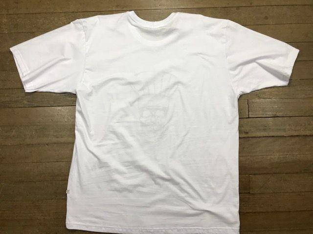 Camiseta Unisex Branca BORDADO CAVEIRA  CHEF  PRETO Fio 30 Premium 100% Algodão