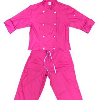 Conjunto Dólmã Cecília Feminino Acinturado PINK Vivo PINK com botões PINK HEART Sarja Leve 100% algodão + Calça PINK ANATOMYS CORDÃO ROSA