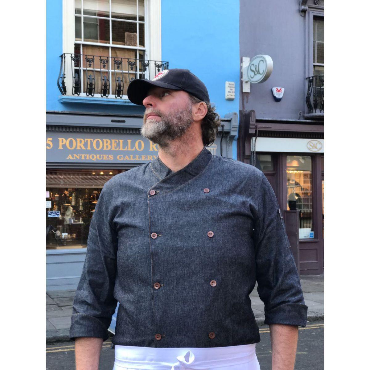 Conjunto: Dólmã Gourmet  JEANS AZUL BOTÕES MARROM + Avental 1 Frente branco 100% Algodão