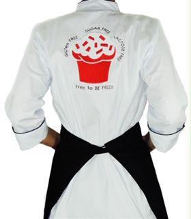 Dólmã Cecília Feminino Acinturado BRANCO CUP CAKE RED VELVET GLUTEN FREE com vivo e botões PRETOS Sarja Leve 100% algodão Manga 3/4