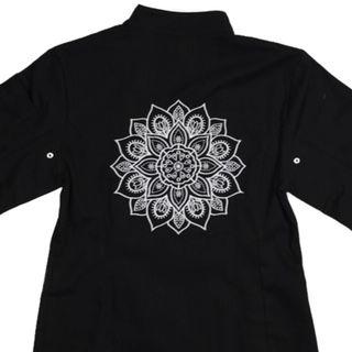 Dólmã Clássico UNISSEX PRETO Mandala BRANCA com vivo e botões Pretos 100% algodão manga 3/4