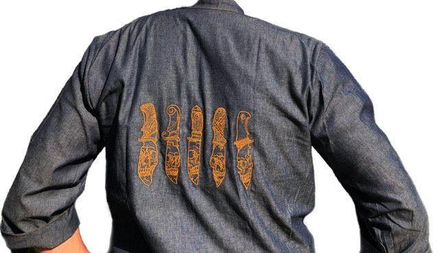 Dólmã George UNISEX  Jeans JOGO DE FACAS CAVEIRA  MARROM (Abotoamento Pressão)- Sarja 100% algodão