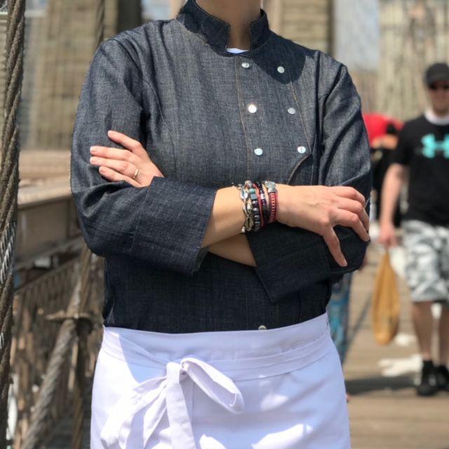 Dólmã Grace Feminina Jeans JOGO DE FACAS CAVEIRA MARROM (Abotoamento Pressão)- Sarja 100% algodão