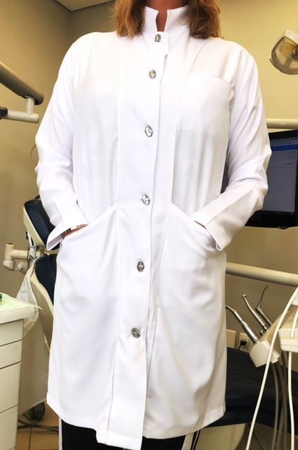 Jaleco Mulher Feminino Gola Padre Swarovski Acinturado Microfibra PREMIUM detalhes Cetim