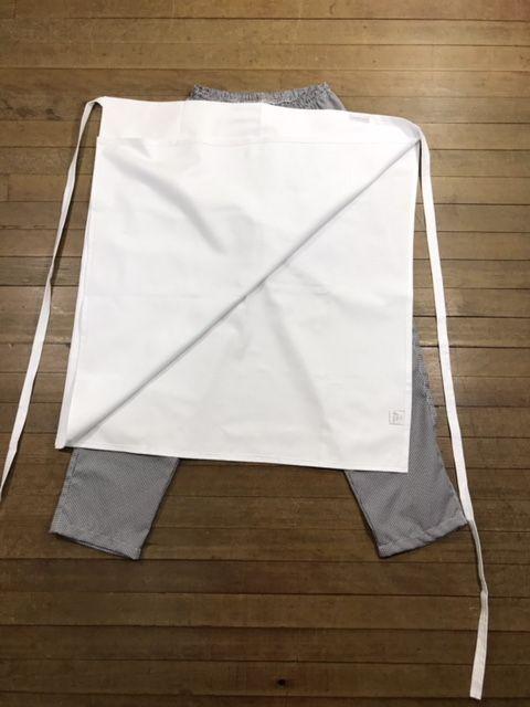 Conjunto Dólmã Clássica 100% algodão BRANCA VIVO PRETO Botões PRETOS + Avental 4 Frentes branco 100% Algodão + Calça com elástico total pied poule