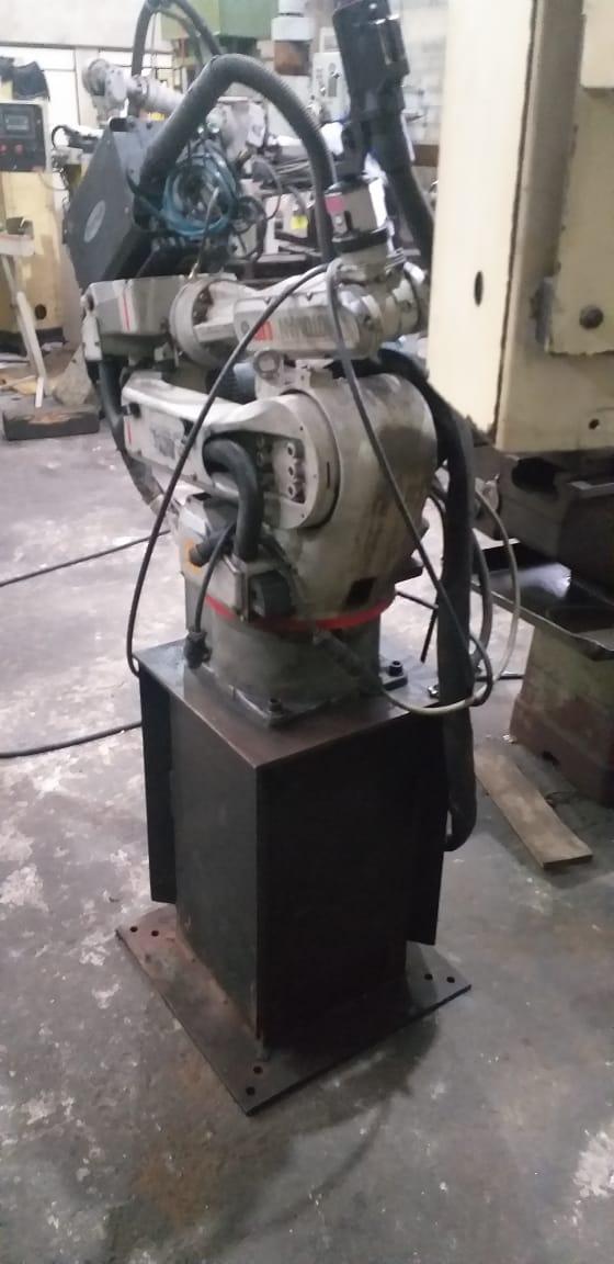 Celula de Robô de Solda marca Motoman modelo Up6  - AEG Comercial