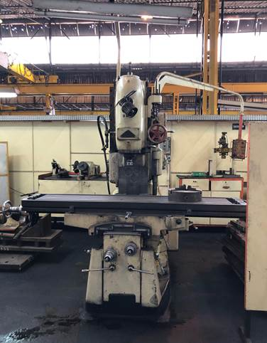 Fresadora Vertical Tos  mesa 2000mm x 400mm, ISO 50 n°5  - AEG Comercial