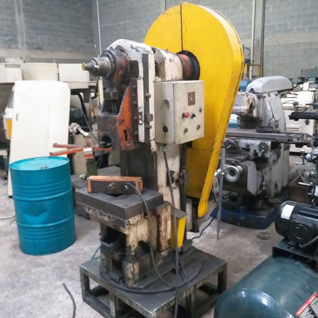 Prensa  Exc. Freio Fricção Gutmann 25 ton  - AEG Comercial