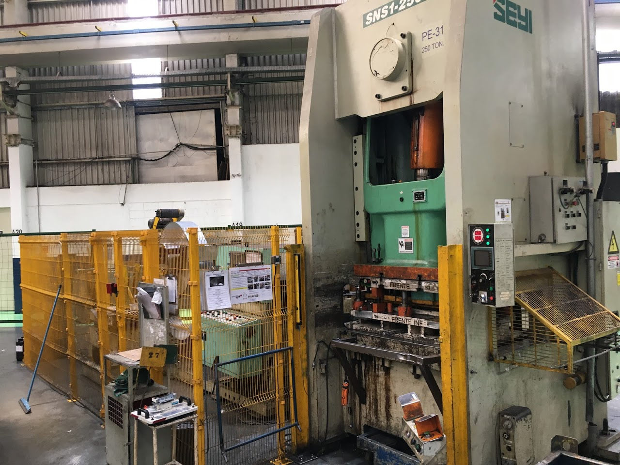 Prensa Progressiva Seyi 250 ton #8-1101  - AEG Comercial