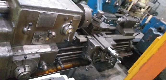 Torno Mecânico Imor, 1000mm entre pontas,   - AEG Comercial