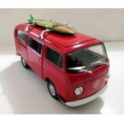Kombi T2 Volkswagen  com prancha Vermelho - Escala 1:32