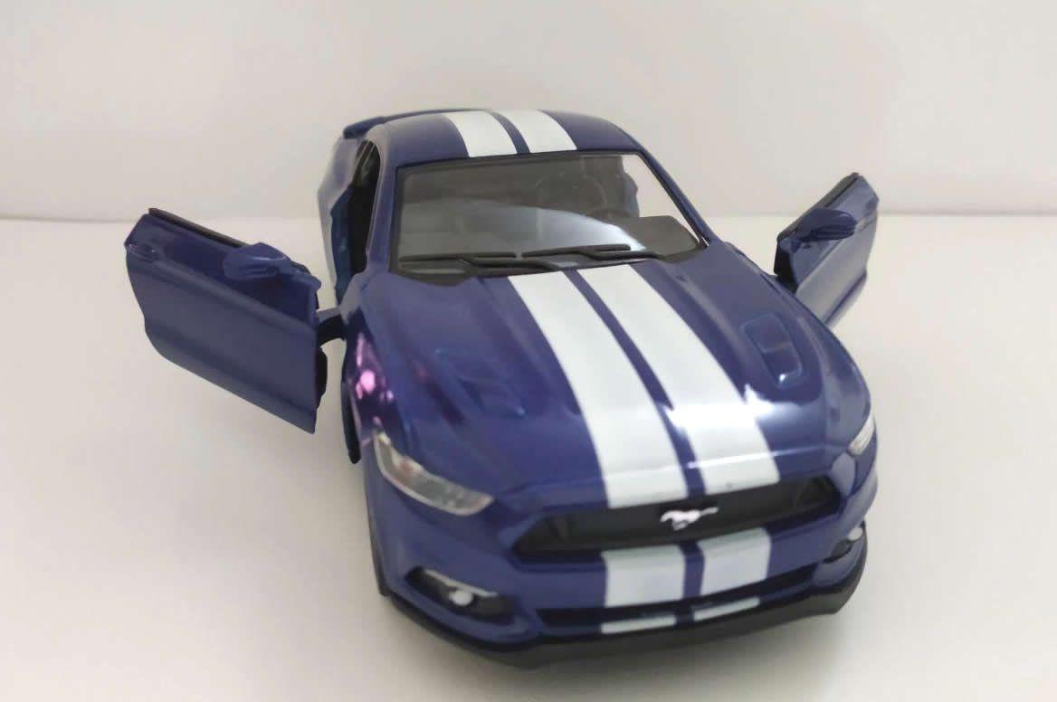 Ford Mustang 2015 Azul - Escala 1:32