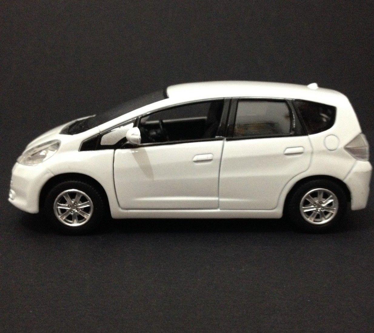 Honda Fit Branco - Escala 1:32