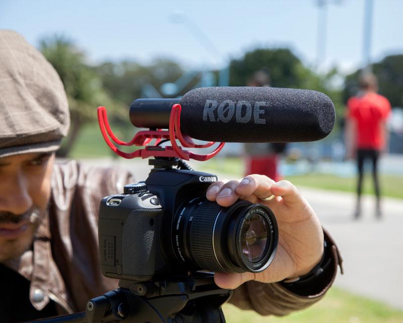 Microfone Shotgun Rode Videomic Go Profissional Para Camera Dslr