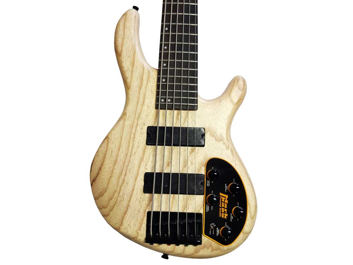 Baixo de 6 Cordas Cort Action VI DLX Ash Pré amp Mark Bass