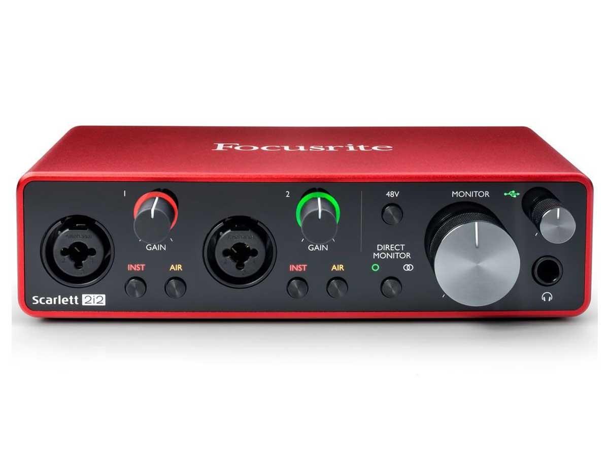 Interface de Áudio Focusrite Scarlett 2i2 - 3a Geração