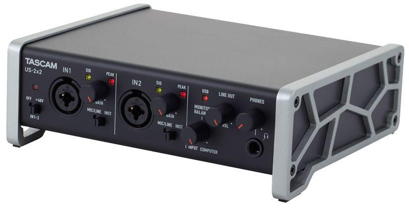 Interface de Áudio/MIDI Tascam US-2x2