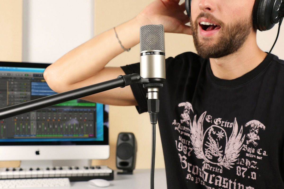 iRig Mic Studio XLR - Microfone Condensador XLR