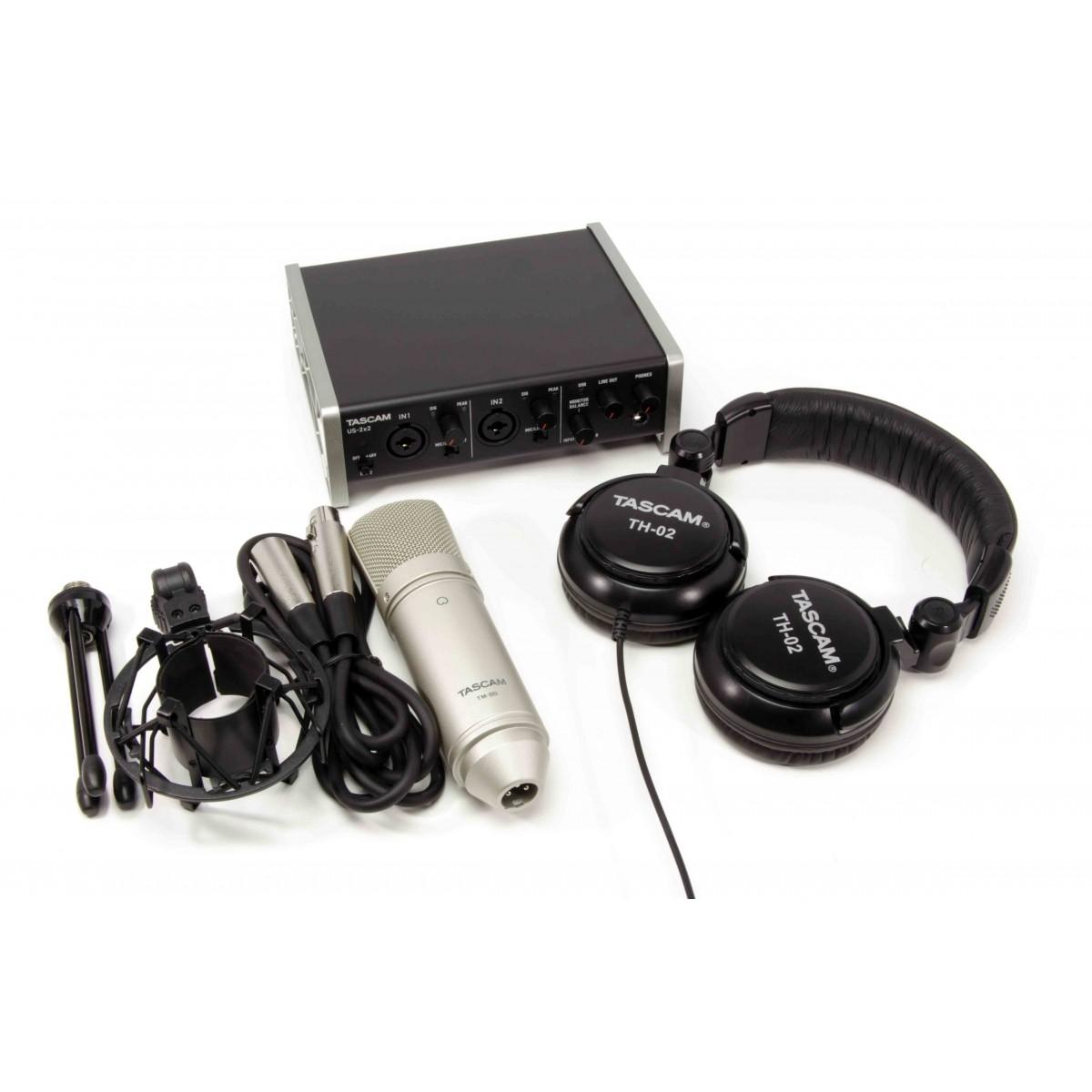 Kit de gravação TASCAM TrackPack 2x2 - interface com mic e fone