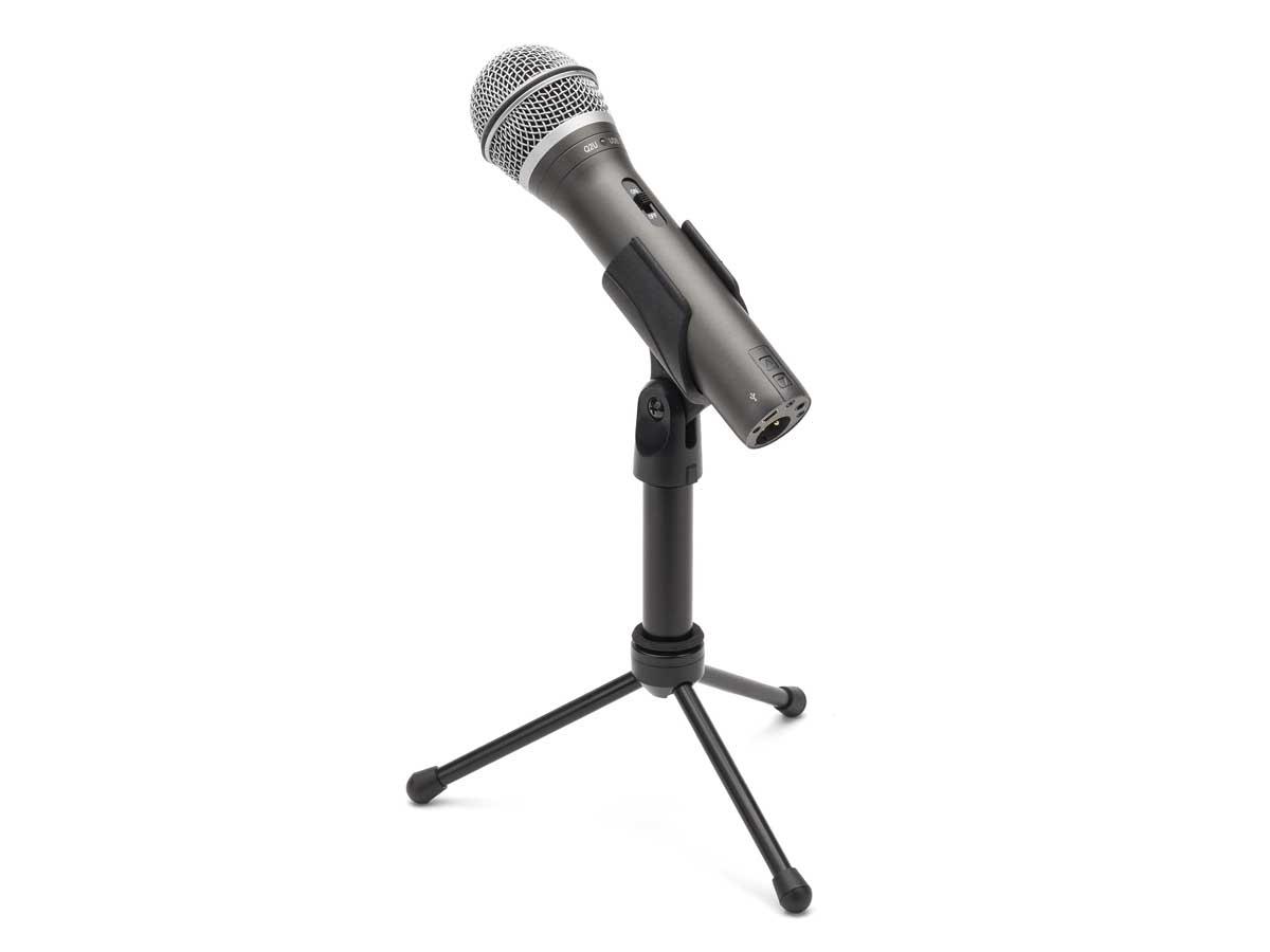 Microfone Dinâmico USB Samson Q2U com Tripé