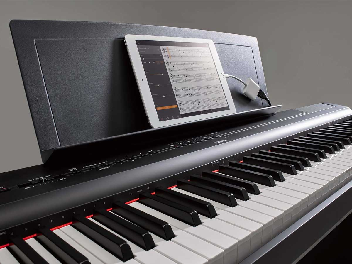 Piano Digital Yamaha P125B com Fonte - 88 Teclas