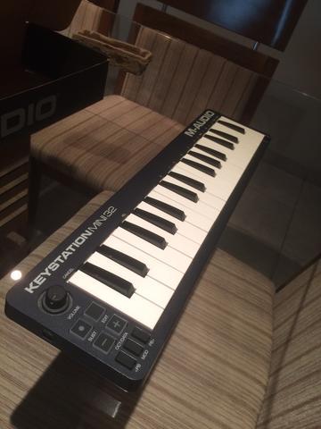 Teclado controlador M-Audio KeyStation MINI32