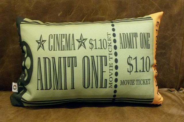 Capa de Almofada Cinema Ticket Admit One 25x35cm Cosi Dimora