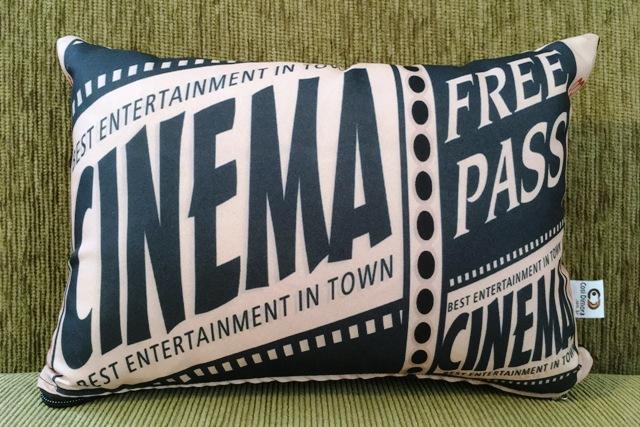 Capa de Almofada Cinema Ticket Free Pass 25x35cm Cosi Dimora