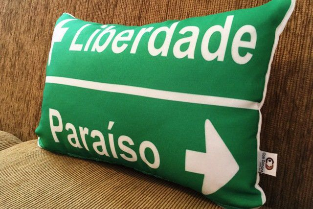 Capa de Almofada Placa Liberdade x Paraíso 25x35cm Cosi Dimora