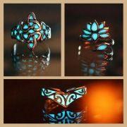 Anel com Pedra Luminosa Fluorescente Brilha Ajustável Chapeado a Prata