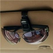 Suporte prendedor de óculos de sol tipo clip para carro