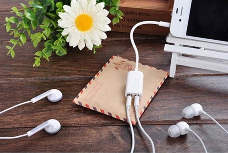 Adaptador para Fone de ouvido com duas entradas para Tablet celular
