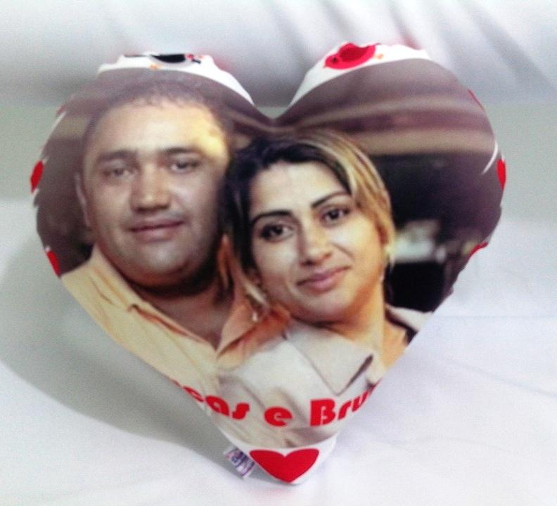 Almofada Coração Personalizada com Foto Namorados Casamento
